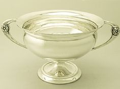A fine and impressive antique George V English sterling silver presentation bowl; an addition to our ornamental silverware collection. SKU: W8470 Price: GBP £1,295.00 http://www.acsilver.co.uk/shop/pc/Sterling-Silver-Presentation-Bowl-Antique-George-V-41p6241.htm#.U7pZRkBXoUM