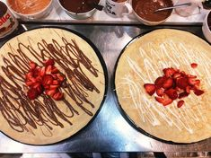 Strawberries go great with any chocolate, and they taste amazing in crepes too . White Chocolate, Chocolate Crepes, Crepe Recipes, Strawberries, Camembert Cheese, Awesome, Amazing, Sweet Tooth, Sweet Treats