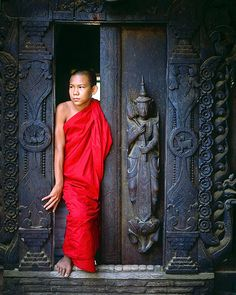 Young monk, Mandalay, Bhurma