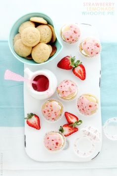 Strawberry Lemonade Whoopie Pies