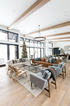 Black and White Living Room Themes Schwarzweiss-Wohnzimmer-Themen apartementdecor. Cute Living Room, Living Room Themes, Big Living Rooms, Comfortable Living Rooms, Home And Living, Kitchen With Living Room, Dining Rooms, Comfortable Accent Chairs, Dining Table