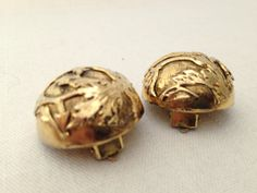 1980s Vintage Gold Dome Clip-on Earrings Embossed by GreenVi