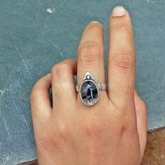 Anel de Quartzo Rutilado Geometric Prata 950  ACESSE O SITE E VEJA MAIS! feito a mão, joia artesanal, prata 950, prata 925, joia de autor,   joalheria autoral, joalheria artesanal, prata, aneis de prata, pedra natural, insta joias,   artesanal, design de joias, handmade jewelry, silver jewelry, insta jewelry,   jewelry, sterling silver