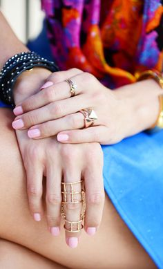 #jewel #jewelry #joia #biju #bijou #bijoux #acessory #acessories #acessorio #acessorios #bijuteria #bijouteria #ring #colar #anel #bracelet #pulseira #fashion #style #want #moda #arms #hand #gold #silver #prata #ouro #color #cor #colorful #beautiful