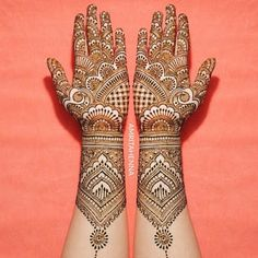 Gorgeous Indian mehndi designs for hands this wedding season - Mehendi - Henna Designs Hand Henna Hand Designs, Dulhan Mehndi Designs, Mehandi Designs, Mehndi Designs Finger, Indian Henna Designs, Latest Bridal Mehndi Designs, Full Hand Mehndi Designs, Mehndi Designs 2018, Mehndi Designs For Girls