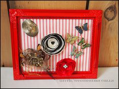 Picture Frame Brooch Display. Full how to at http://untilwednesdaycalls.blogspot.com #DIY #crafts #repurposing #accessories #accessory storage