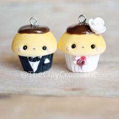 Bride and groom cupcakes I made for one of the coolest chicks I know @charmedanddangerous79 The internet is a fascinating thing - giving us this ability to know such great and influential people. ❤ #polymerclay #polymerclaycharms #clayjewelry #claycharms #clay #charms #jewelry #pendants #handmade #diy #crafts #friends #marriage #bride #groom #bae #love #godislove #cupcakes #food #foodie #foodjewelry #kawaiifood #chocolate