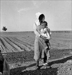 dorothea_lange__mother_and_child_of_arkansas_flood_refugee_family_1937