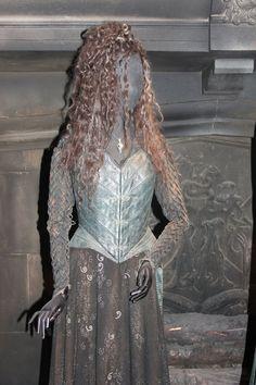 Costume Selection: Bellatrix LeStrange by Skarkdahn