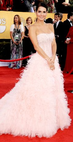 #Angie #Harmon, I love the #pink #gown.
