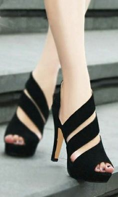 Cute Strip Cutout Peep-toe High-heeled I have a deep and largely irrational hatred of the peeptoed shoe. Designer High Heels, Designer Sandals, Pretty Shoes, Beautiful Shoes, Gorgeous Heels, Awesome Shoes, Gorgeous Women, Amazing Heels, Crazy Shoes
