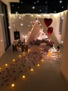 Romantic Room Surprise, Romantic Date Night Ideas, Romantic Birthday, Romantic Home Dates, Romantic Bath, Simple Birthday Decorations, Tree Decorations, Surprise Party Decorations, Valentine Decorations