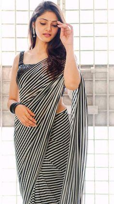Indian Photoshoot, Saree Photoshoot, Beautiful Girl Indian, Most Beautiful Indian Actress, Saree Poses, Curvy Girl Lingerie, Saree Trends, Stylish Sarees, Dress Indian Style