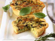 Zucchini-Oliven-Quiche - smarter - Zeit: 30 Min. | eatsmarter.de