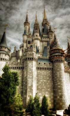 Unknown Castle - This is fantastic. Castle Best Cookie Snacks in Walt Disney World Cinderella Castle at the Magic. Fantasy Castle, Fairytale Castle, Cinderella Castle, Beautiful Castles, Beautiful Buildings, Beautiful Places, Chateau Medieval, Medieval Castle, Castle Ruins