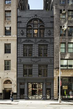 Former W 30th Street NYC firehouse converted to Black Ocean Digital Media Company | Shared by LION