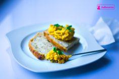 jadłonomia · roślinne przepisy: Co do chleba? Pasta z marchewki w dwóch odsłonach.