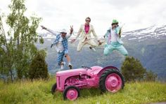 Web site of the day: Moods of Norway. Happy clothes for happy people! Pink Tractor, Beautiful Norway, Wheels On The Bus, Norway Travel, My Heritage, Vacation Places, Wild And Free, Happy People, Pretty In Pink