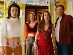 Charmed 2013 Update Photo Gallery – Alyssa Milano, Holly Marie Combs, Shannen Doherty, Rose McGowan and Kaley Cuoco Phoebe Charmed, Serie Charmed, Charmed Tv Show, Charmed Sisters, Rose Mcgowan, Holly Marie Combs, Kaley Cuoco, Fashion Tv, 2000s Fashion