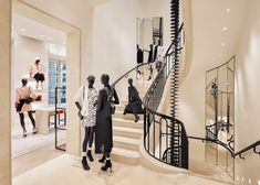 News distribution : Chanel opened a major new Paris flagship on Thursday, combining three buildings, including a former century convent, in a massive new retail space at 19 rue Cambon. Coco Chanel, Chanel Paris, Gabriel Chanel, Lingerie Store Design, Retail Technology, Rue Saint Honoré, Grands Salons, Paris Store, Chanel Store