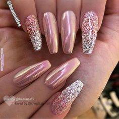 Nails christmas Rose gold pink chrome and glitter silver ombré nail ballerina shape gel nail ar. Rose gold pink chrome and glitter silver ombré nail ballerina shape gel nail art design Chrome Nail Art, Matte Pink, Chrome Rose Gold Nails, Silver And Pink Nails, Gel Chrome Nails, Matte Gold, White Nails, Chrome Nail Colors, Gold Gel Nails