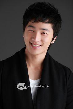 Lee Hyun Jin - Google Search Asian Actors, Korean Actors, Lee Hyun Jin, Sore Eyes, Boy Meets, Actors & Actresses, Fangirl, Singer, Kpop