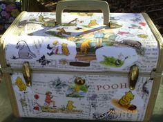 My pooh traincase Winnie The Pooh Themes, Winne The Pooh, Winnie The Pooh Friends, Disney Winnie The Pooh, Eeyore, Tigger, 100 Acre Wood, Teddy Bear Cartoon, Disney Addict