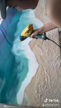 Watch the process of Kimi making clients visions come to life with Fluid Art. Working with epoxy resin, Kimi uses her hands and heat to manipulate this medium to create wall art that captures all the beauty of the ocean. To learn more visit www.fluidartbykimi.com or email mi@fluidartbykimi.com for questions. Resin Wall Art, Diy Resin Art, Resin Crafts, Diy Art, Epoxy Resin Art, Diy Crafts, Make Art, Acrylic Pouring Art, Acrylic Art