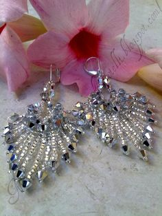 Beading pattern for Niagara earrings. Materials include 24 3mm Crystal CAL bicones, 18 4mm Crystal CAL bicones,  size 15/0 and size 11 Silver Lined seed beads, and size 9/0  Silver Lined seed beads.