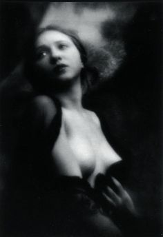 Alexander Grinberg - Portrait de femme, ca. 1914. S)