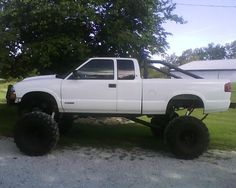 My old lifted Lifted Chevy Trucks, Diesel Trucks, Pickup Trucks, S10 Pickup, Chevy S10 Zr2, Chevy Girl, Custom Big Rigs, A 17, Monster Trucks