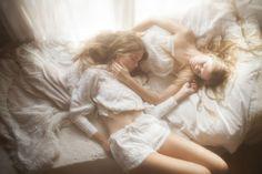Twins Inka & Neele H. photographed by Vivienne Mok
