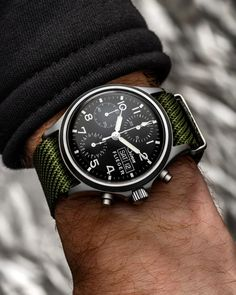 Sinn 356 on a green nato strap from . Elegant Watches, Beautiful Watches, Sinn Watch, Luxury Watches For Men, Automatic Watch, Watch Brands, Cool Watches, Sport Watches, Fashion Watches