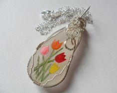 Collares de flor de amapola - hecho a mano por encargo con perlas de vidrio, miyuki y swarovski de mar bastante inglés - arte en miniatura pintados a mano.  Todos los collares vienen con plata cadena de 18 con la etiqueta ley.