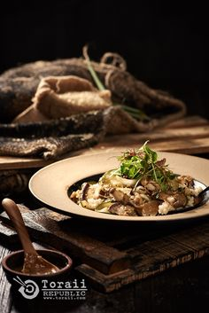 Korean Food - A bowl of rice with mushroom. <photographed - toraii.com>