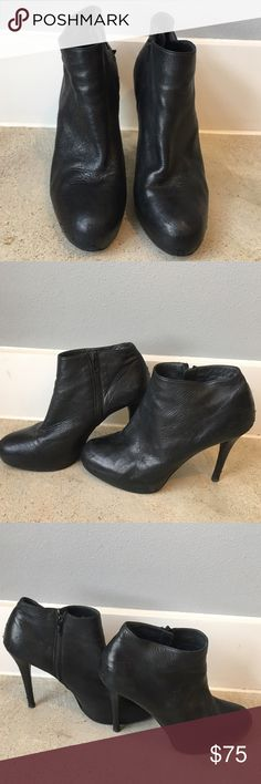 Stuart Weitzman Black Leather Ankle Boots Size 10 Authentic Stuart Weitzman Black Leather Ankle Boots Size 10! One of my favorite pairs of shoes so they have had some wear, but with a little leather cleaner they will clean up nice! Stuart Weitzman Shoes Ankle Boots & Booties