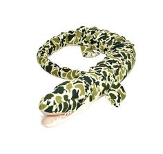 Title: Salamander / Lizard green camo Size: Measures 50 inch / 127cm long Price: AUS$ 19.95 Brand : Wild Republic  Lots more items like this available at: www.stuffedwithplushtoys.com 100 Day Returns |Fast Trackable Shipping|Amazing Service