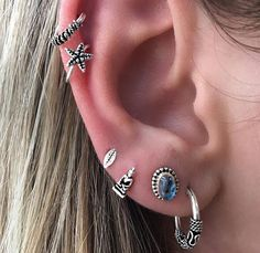 Ear cuff, Ear Cuffs No Piercing, Ear Wrap ☆☆ No piercing required ☆☆ Metal: Silver Ear Cuff Dainty Earrings, Round Earrings, Vintage Earrings, Clip On Earrings, Women's Earrings, Stud Earring, Innenohr Piercing, Cute Ear Piercings, Punk Jewelry
