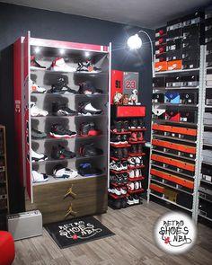 Shoe Rack Bedroom, Shoe Room, Bedroom Setup, Shoe Box Storage, Locker Storage, Storage Ideas, Sneaker Storage, Hypebeast Room, Basketball Bedroom