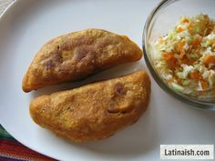 Salvadoran pasteles (also known as pastelitos!) These fried meat and potato turnovers are similar to empanadas. So savory and delicious served with curtido (cabbage salad) and fresh salsa. #ElSalvador #recipe