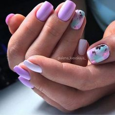 The advantage of the gel is that it allows you to enjoy your French manicure for a long time. There are four different ways to make a French manicure on gel nails. Fancy Nails, Pink Nails, Cute Nails, Stylish Nails, Trendy Nails, Colorful Nail Designs, Nail Art Designs, Colorful Nails, Nail Manicure