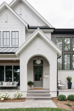 Black Friday Sales: All you need to know about the Best Sales for your Home! - Home Bunch Interior Design Ideas Exterior Paint, Exterior Design, Modern Farmhouse Exterior, Barn Lighting, Home Trends, New Construction, Architecture Details, Decoration, Curb Appeal
