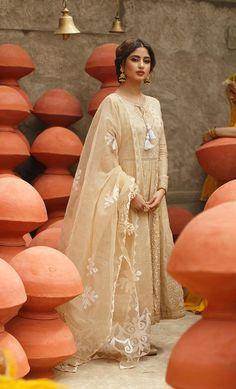 Pakistani Girl, Pakistani Dress Design, Pakistani Outfits, Pakistani Clothing, Pakistani Actress, Stylish Dresses For Girls, Girls Dresses, Eid Dresses, Indian Designer Outfits