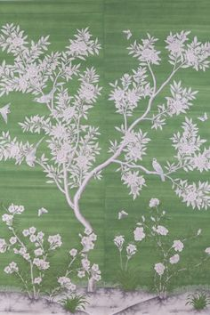 Scenic floral hand-painted Chinese paper from Gracie Studio in fresh grass green. Gracie Wallpaper, Hampton Garden, Chinese Wallpaper, Chinoiserie Wallpaper, Bohemian House, Wall Finishes, Floor Colors, Bed Wall, Green Backgrounds