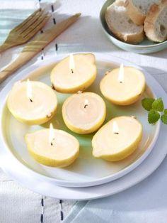 Diese Zitronenkerzen dürfen auf Ihrer Sommertafel nicht fehlen, denn sie sehen besonders lecker aus und schützen außerdem effektiv vor Mücken!