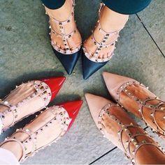 Fie ca sunt balerini,mocasini,saboti sau de inspiratie oxford,pantofii confortabili ai primăverii 2015 au o silueta subțire si un vârf usor ascutit.www.stilettoshop.ro