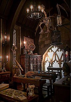 Pin by casey faulkner on miniature ideas in 2019 картинки Hogwarts, Harry Potter Room, Harry Potter World, Slytherin Aesthetic, Harry Potter Pictures, Harry Potter Wallpaper, Aesthetic Pictures, Light In The Dark, Miniatures