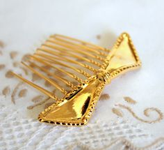 Gold bow hair comb  Bridal hair comb  Victorian shabby by iloniti, $28.00