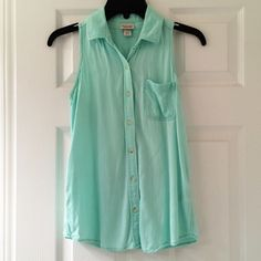 Mint Green Sleeveless Button Down Sleeveless button down. Beautiful shade of mint green. Gently worn. Perfect condition Mossimo Supply Co. Tops Button Down Shirts
