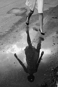rain | reflection | puddle | rain | black & white | www.republicofyou.com.au